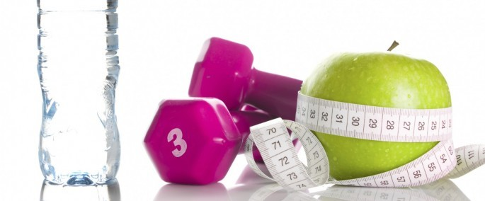 Manzana, agua, pesas